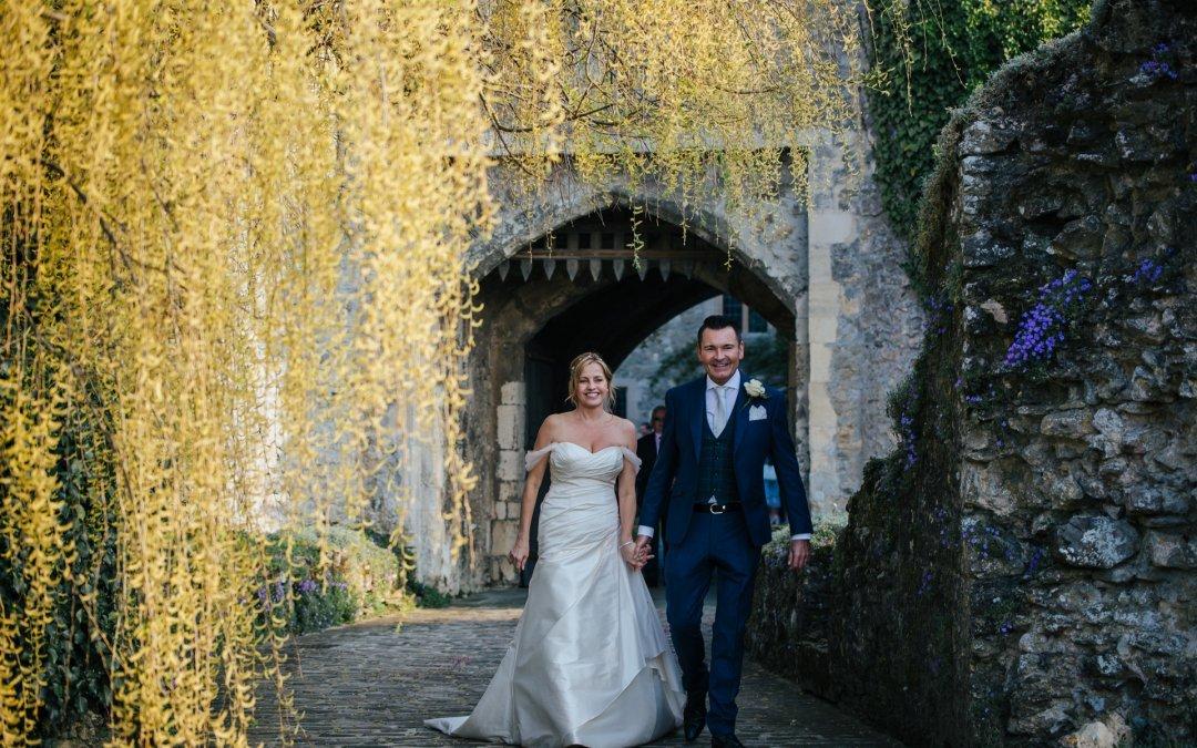 Stunning Kent Wedding at the beautiful Allington Castle